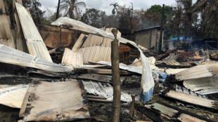 Une maison brûlée dans un village au nord de l'Etat Rakhine, en Birmanie. Photo du 12 septembre 2017.