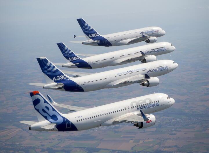 Вся гамма самолетов Airbus А320, A330, А350, А380.