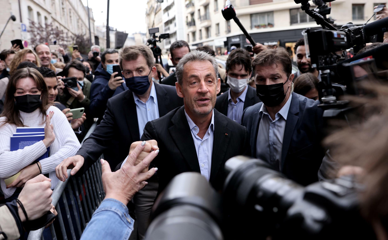 Nicolas Sarkozy, en París el 2 de octubre de 2021, antes de una sesión de firmas de su último libro