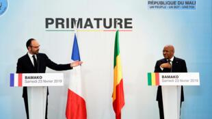 Le Premier ministre français Edouard Philippe lors de la conférence de presse avec son homologue malien Soumeylou Boubèye Maïga, à Bamako, le 23 février 2019.