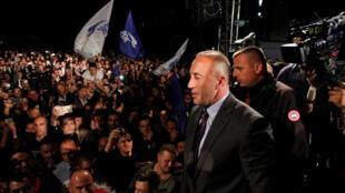 Ramush Haradinaj lors d'un discours après les résultats des législatives au Kosovo.