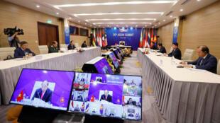 2020-06-26T032434Z_183805208_RC2RGH9XW1QF_RTRMADP_3_ASEAN-SUMMIT