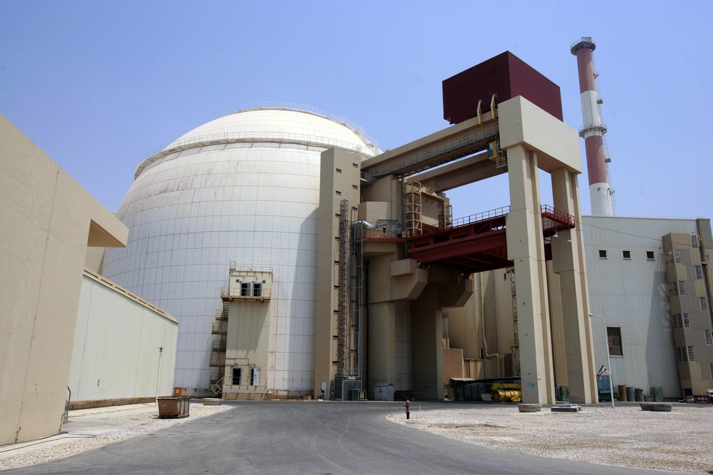 Атомная станция вблизи города Бушер, Иран