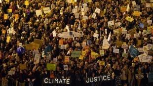 Des milliers de personnes ont manifesté en marge de la COP 25 à Madrid le samedi 6 décembre 2019.