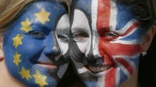 Opositores ao Brexit continuam protestando contra referendo, como em 2 de julho no centro de Londres (foto).