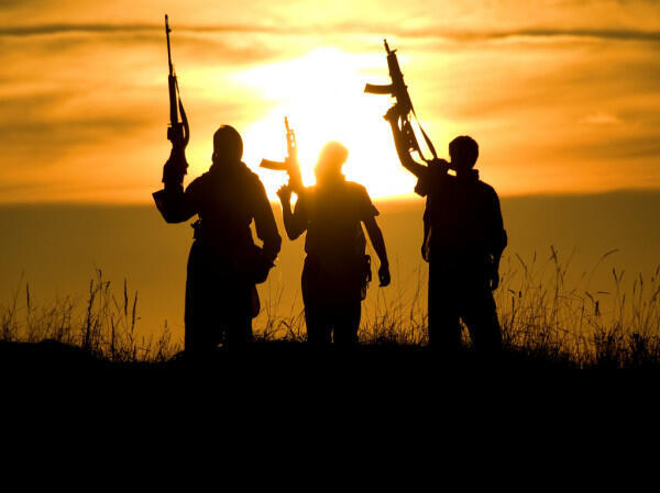 depositphotos_9317287-stock-photo-soldiers-against-a-sunset