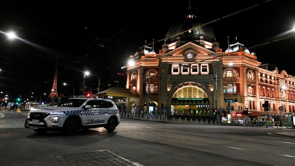 Coronavirus: couvre-feu en vigueur et fermeture des commerces non essentiels à Melbourne