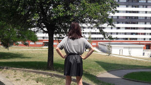 Cheryne, 19 ans, a renoncé à porter des jupes, à cause du harcèlement par les garçons.