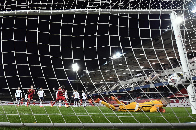 Futebol - Guarda-Redes - Desporto - Football - Jordan Pickford - Inglaterra - England - Bola