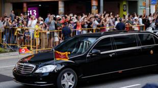 2018年6月10日,朝鲜领导人金正恩抵达在新加坡下榻的旅馆,准备参加6月12日举行的美朝峰会。