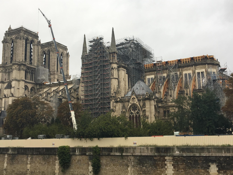 Nhà thờ Đức Bà Paris mất ngọn tháp có từ thế kỷ XIX, sau vụ hỏa hoạn ngày 15/04/2019.