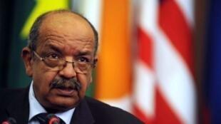 Le ministre algérien des Affaires étrangères Abdelkader Messahel a réagi dans un communiqué le 22 novembre à la proposition de dialogue du roi du Maroc (photo d'archives).