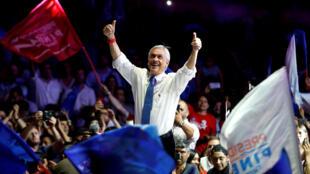 El candidato presidencial chileno Sebastián Piñera en el cierre de su campaña en Santiago, Chile, el 14 de diciembre de 2017.