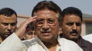 O ex-presidente do Paquistão e líder da Liga Muçulmana Paquistanesa, Pervez Musharraf , em foto de 15 de abril de 2013, em Islamabad.