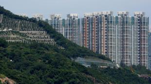 香港一…片墓地后出现私人住宅区 2018年9月15日