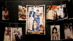 Picha za baadhi ya wahanga wa mauaji ya kimbari waliyotokea nchini Rwanda mwaka 1994 zilizobandikwa kwenye ukuta wa jumba yanakohifadhiwa mabaki ya wahanga haokatika moja ya majumba ya ukumbusho Kigali.