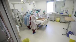 Covid France Hospital