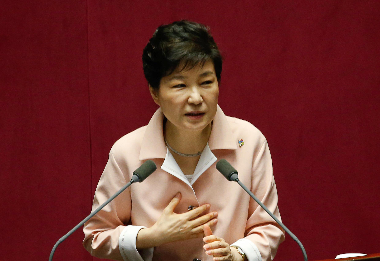 Tổng thống Hàn Quốc Park Geun-hye phát biểu trong buổi khai mạc kỳ họp Quốc hội ngày 13/06/2016.