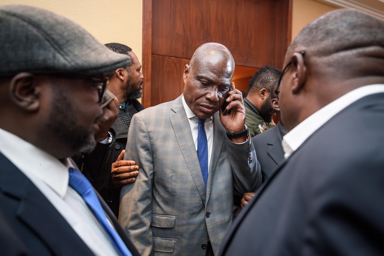 Martin Fayulu (katikati) ateuliwa rasmi mgombea pekee wa upinzani katika uchaguzi wa urais wa Desemba 23 nchini DRC. Uamuzi uliochukuliwa huko Geneva na viongozi wakuu saba wa upinzani, Novemba 11, 2018.