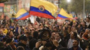 Des milliers de Colombiens sont descendus dans la rue depuis une semaine, comme ici à Bogota, le 23 novembre 2019.