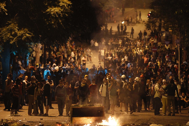 Манифестанты в Анкаре 2 июня 2013 г.