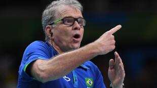 El entrenador Bernardo Rezende, más conocido como 'Bernardinho',  durante la final olímpica entre Brasil e Italia en los Juegos de Río 2016, el 21 de agosto de aquel año en la ciudad brasileña