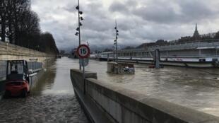 Flooding near Pont de l'Alma in Paris on 24 January, 2018