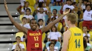Yanick Moreira com a Selecção Angolana.