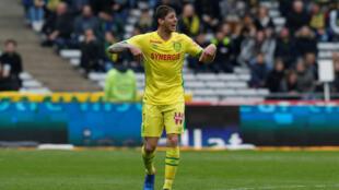埃米利亞諾·薩拉(Emiliano Sala)剛從法國南特足球隊轉到英國卡迪夫足球隊
