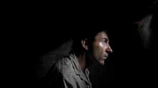Antonio de la Torre est Higinio dans le film «Une vie secrète» des réalisateurs basques Jon Garaño, Aitor Arregi, Jose Mari Goenaga, l'histoire d'une «taupe» qui resta cachée pendant trente ans pendant l'après-guerre civile espagnole.