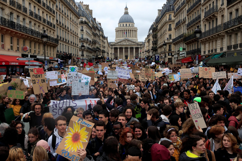 Cuộc tuần hành chống biến đổi khí hậu của học sinh sinh viên Paris ngày 15/03/2019.