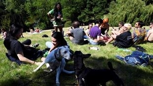 2020-05-30 paris parks buttes chaumont open coronavirus lockdown