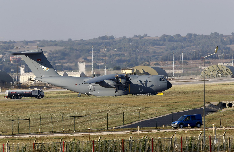 Avião militar turco A400M na base de Incirlik