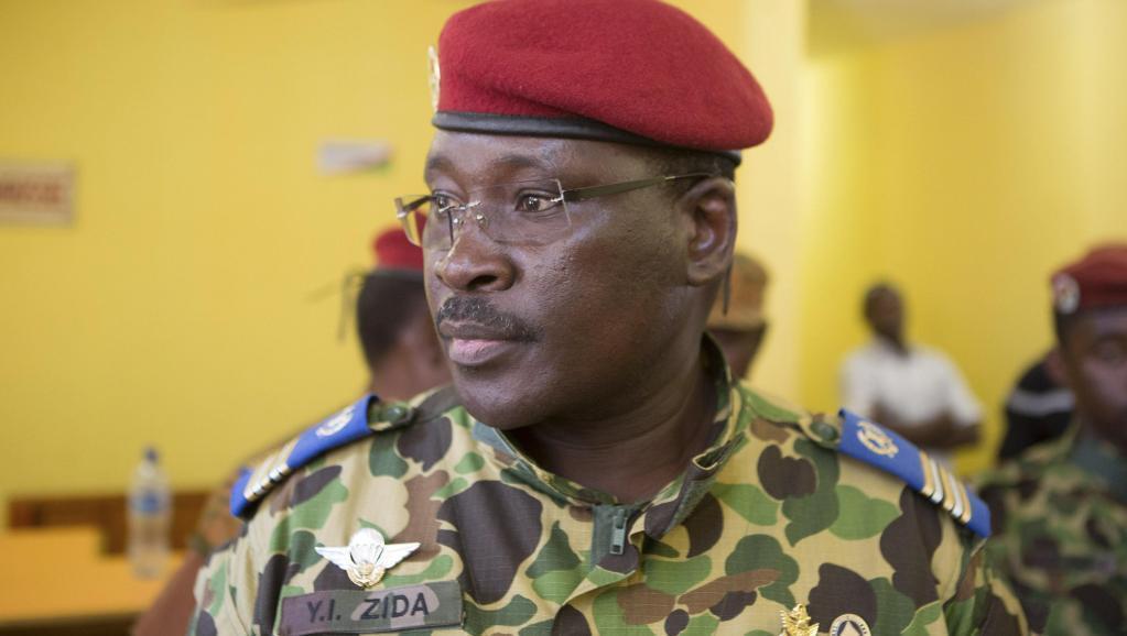 O tenente-coronel Isaac Zida, primeiro-ministro do Burkina Faso