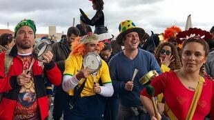 O bloco Bué Tolo levou o Carnaval carioca para as ruas de Lisboa.