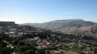 Une vue de la ville de Constantine, dans l'est de l'Algérie. Selon des sources sécuritaires, les extrémistes tentent de s'installer sur les hauteurs de Constantine, dans la forêt de Djebel El-Ouahch.