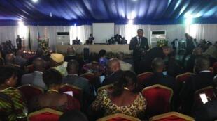 Salle de conférence de la cité de l'OUA où se tient le dialogue national.