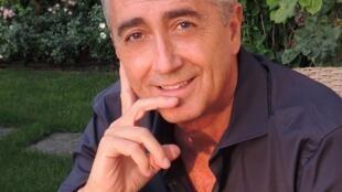 Le neurobiologiste Stefan Catsicas.