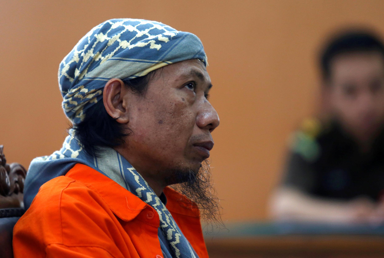 Le prédicateur islamiste Aman Abdurrahman, lors de son procès à Jakarta, le 15 février 2018.
