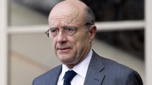 O ministro das Relações exteriores francês, Alain Juppé, lançou nesta terça-feira, uma nova advertência ao governo sírio.