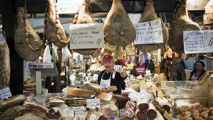 Les Français consomment 86 kilos de viande par habitant chaque année, un chiffre en baisse de 8,3 %. Ici, au Salon de l'agriculture, à Paris, en 2011.