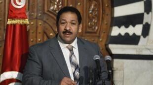 Le ministre tunisien de l'Intérieur, Lotfi Ben Jeddou, lors d'une conférence de presse, le 17 juillet 2014.