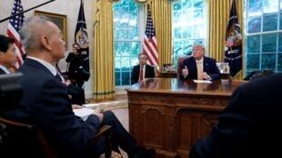 美国总统特朗普与中国副总理刘鹤白宫会面后,特朗普宣布美中谈判达成第一阶段协议。2019年10月11号