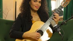A violonista pernambucana Fernanda Primo.