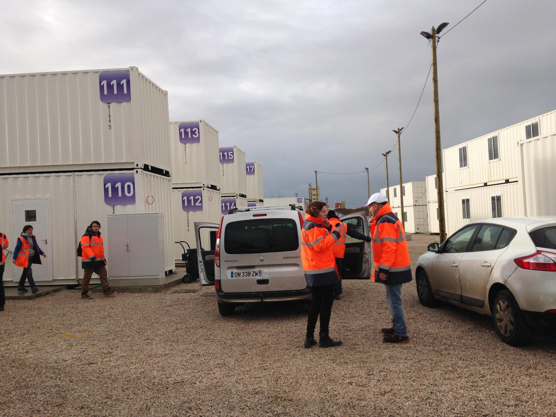 Le centre d'accueil provisoire de Calais dispose de 1 500 lits répartis dans 120 containers.