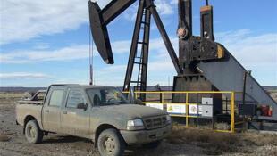 Pozo petrolífero en la provincia de Santa Cruz, Argentina.