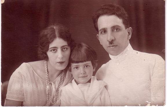 Автор кулинарного дневника Вера Николаевна Бекзадян с мужем и дочерью