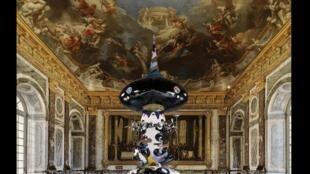 Versailles trưng bày lần này 22 tác phẩm của Murakami (Reuters)
