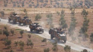Đoàn xe tuần tra của quân đội Thổ Nhĩ Kỳ tại biên giới Reyhanli, tỉnh Hatay, với Syria, ngày 08/10/2017.