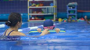 Si la France est bien équipée en piscines publiques, son parc est vieillissant.